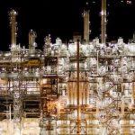 Los precios del petróleo suben a medida que los inventarios de crudo continúan cayendo