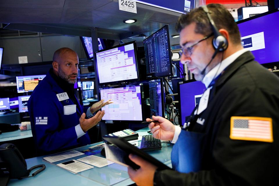 Los comerciantes trabajan en el piso de la Bolsa de Valores de Nueva York (NYSE) en la ciudad de Nueva York, EE. UU., 29 de septiembre de 2021. REUTERS / Brendan McDermid